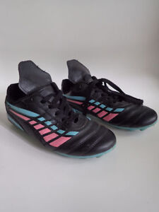 Size 1, 2 and 3 Boys & Girls Soccer Shoes $6/each London Ontario image 5