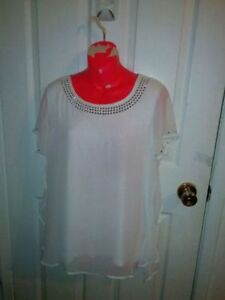 CLEANING MY CLOSET - BRAND NEW WHITE BEADED BLOUSE SZ M/L Kitchener / Waterloo Kitchener Area image 8