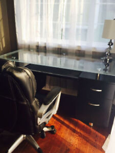 Black/Glass Desk and chair