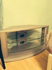 TV STAND 100$