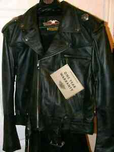 BNWT RARE HARLEY DAVIDSON LEATHER JACKET SIZE SMALL