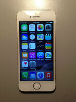 Used iPhone 5S Silver 16 GB with Rogers