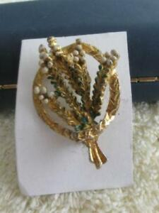 QUAINT OLD HEATHER-CLUSTER VINTAGE GOLDTONE SCOTTISH BROOCH