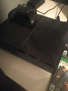 Xbox One Console Two Controllers + Games
