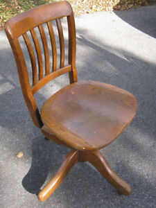 Antique Oak Stenographer's Chair -rare to see these armless type