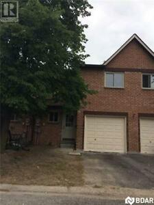 16 Evergreen Court Barrie, Ontario