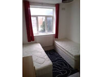 lovely Awesome Twin bedroom ready now. Canning town. Must see!!