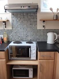 1 Bed city Garden Flat. Short Lets. Bills included. Near to Station, Addenbrookes, ARM, Mill Road