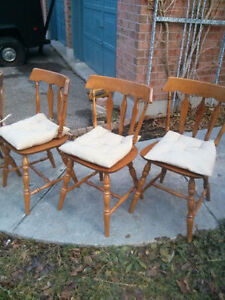 Great Retro Maple Dining Table & 4 Chairs! Kitchener / Waterloo Kitchener Area image 3