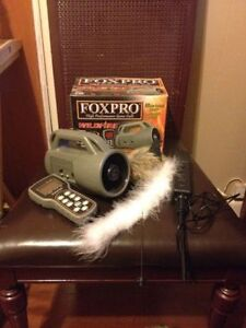 Foxpro Wildfire Electronic Call w/ Foxpro Blackjack Remote Decoy
