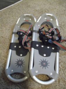 Powder Ridge kids size 18 aluminum high quality snow shoes