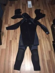 BARE Wetsuit, 7mm
