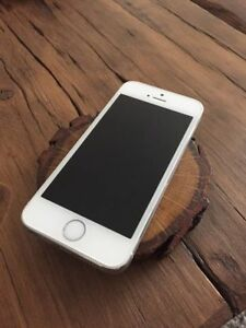 Unlocked Iphone 5s Silver