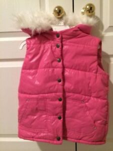 Girls Puffer vest with detachable hood - new with tags
