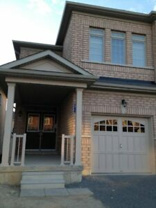 SEMI-DETACHED HOUSE FOR RENT @ COPPER HILL NEWMARKET