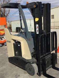 2011 CROWN RC5535-35 COUNTER-BALANCE FORKLIFT
