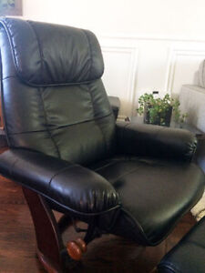 Perfect condition – Faux Leather Recliner and Ottoman
