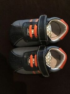 JACK & LILY by MOCS boys size 12-18 month like new