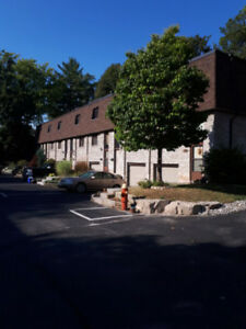 2 Bedroom townhouse in Aldershot Burlington.