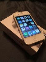 WHITE Apple iPhone 4S 8 GB in Original Box - Bell / Virgin