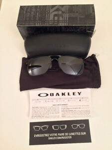 Like New Oakley Tailhook Aviators with Prizm Daily Lenses!