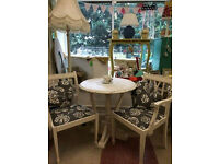 Beautiful Solid table & two chairs