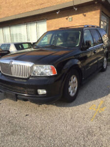 Lincoln Navigator Luxury SUV