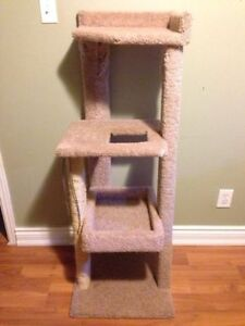 4-Level Cat Tree / Scratch Tower