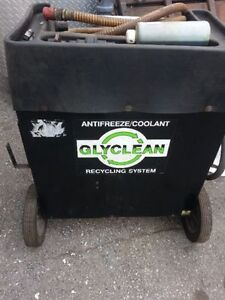GLYCLEAN ANTIFREEZE RECYCLING MACHINE   COMES WITH EXTRA FILTERS Kitchener / Waterloo Kitchener Area image 1