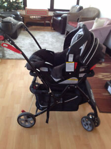Graco Snugride Classic Connect 30 Car Seat & Snap-N-Go Stroller