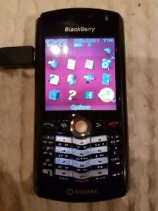 Blackberry 8100, locked to Rogers