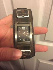 Watch Collection - Great Condition Gently Used- All Need Battery Kitchener / Waterloo Kitchener Area image 4
