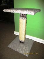 New Kitty Kat Scratching Post with Top Perch