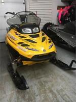 """2002 Ski-Doo Summit great shape! 2"""" track!! Compression Strong! Timmins Ontario Preview"""