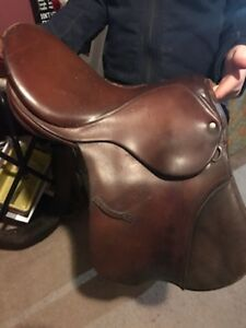 "Working 14"" English saddle"