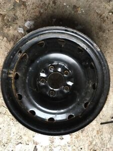 Set of 4 16 inch steel wheels of Ford Escape