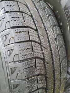 Like New Michelin Lattitude X - Ice ( Set of 4 Tires on Rims)