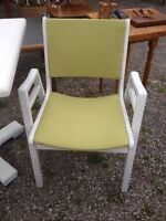 Set of far kitchen chairs