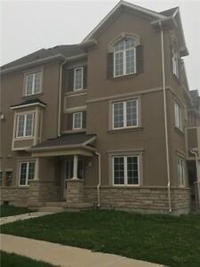 3 BEDROOM TOWNHOUSE FOR RENT IN OAKVILLE