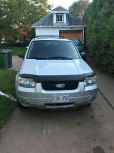 2006 Ford Escape Hatchback- PRICED TO SELL 2500 OBO