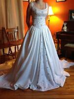 Beautiful Maggie Sottero Couture wedding dress