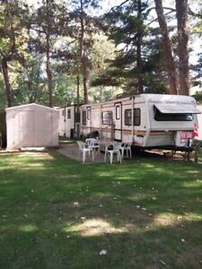 Glendette Limited Edition 32' $7,000 OPEN TO OFFERS