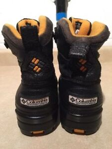 Kids Columbia Winter Boots Size 4 London Ontario image 4