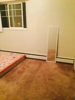 Room availble DECEMBER 1,ALL UTILITIES INCLUDED (SOUTH SIDE).