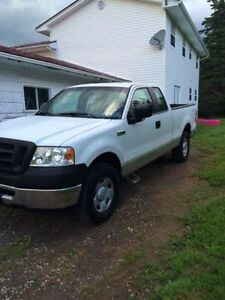 Low Kms 2007 Ford F-150 Pickup Truck