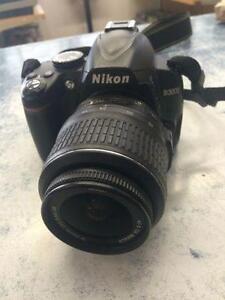 Magnifique appareil photo de marque Nikon, D3000, super ??tat!!