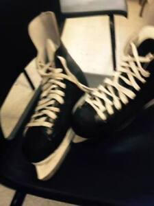 Size 8 Skates - Great Condition
