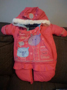 REDUCED PRICE Souris mini snowsuit - small