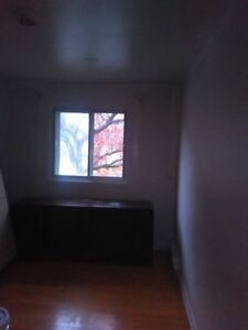 SEMI FURNISHED - 3 1/2 LACHINE - HUGE APPARTMENT - 575$ West Island Greater Montréal image 7