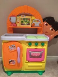 Dora the Explorer Talking Kitchen & Little Tikes Kitchen